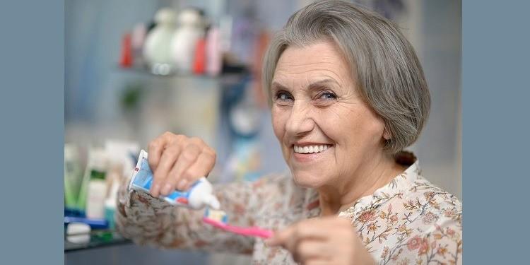 Diş Fırçalamak, Alzheimer Hastalığı Riskini Azaltıyor Olabilir